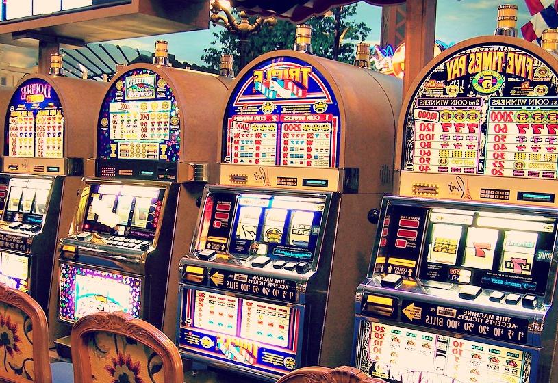 Envie de jouer aux machines à sous sans avoir à vous déplacer ? C'est désormais possible grâce aux casinos virtuels !